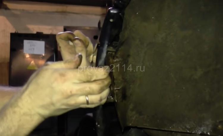 Этапы демонтажа бампера на ваз 2114 4