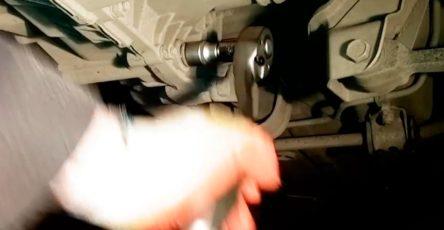 Как-поменять-масло-в-коробке-передач-ваз-2114-своими-руками