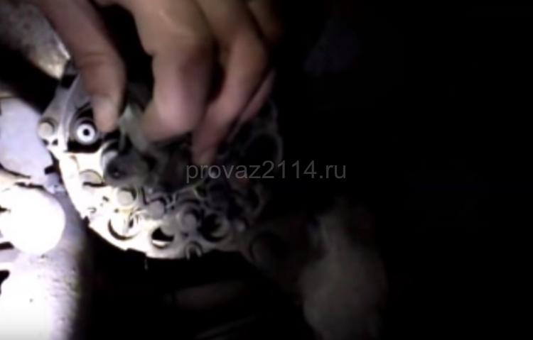 Пошаговая замена щеток генератора на ваз 2114 QIP Shot - Screen 16965 03.01.20