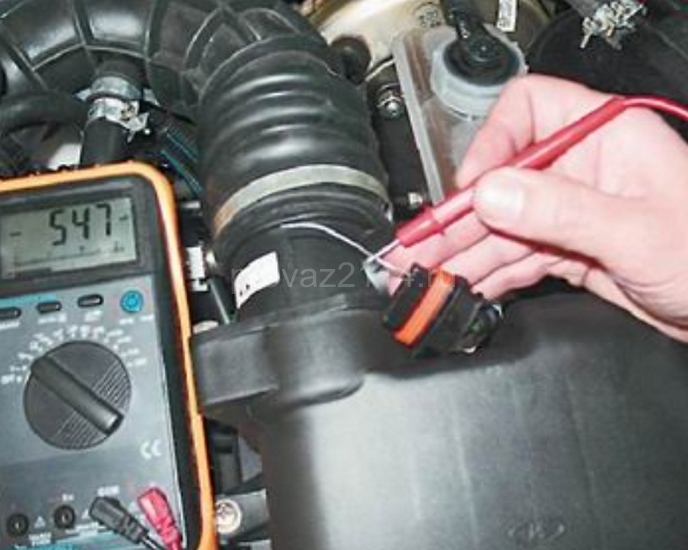 Как проверить и заменить датчик массового расхода воздуха на 2114 3