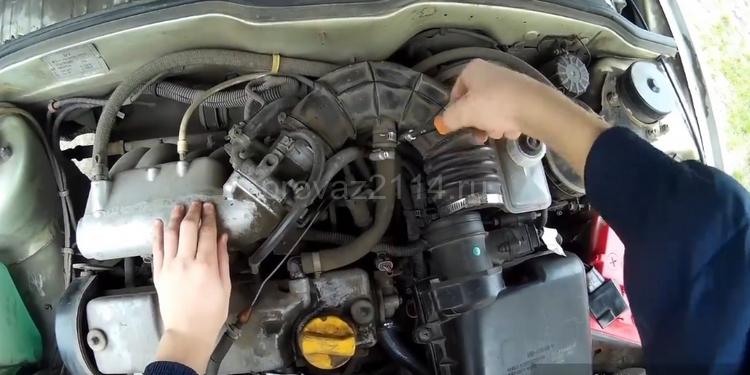 Как снять датчик скорости на ВАЗ 2114 4