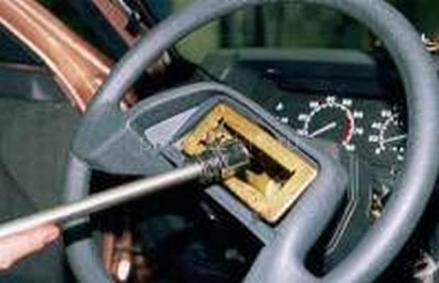 Демонтаж рулевой колонки с промежуточным валом 7