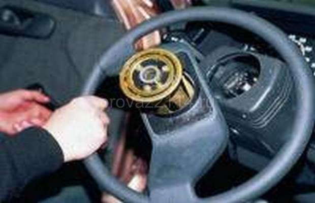 Демонтаж рулевой колонки с промежуточным валом 8